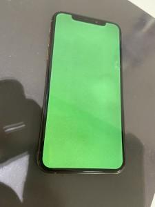 iphoneXS 液晶故障 グリーンスクリーン