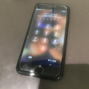 iPhone8 フロントパネル修理