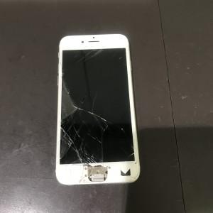 アイフォン6s 画面割れ ホームボタン分裂