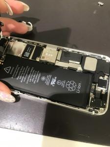 アイフォン5s バッテリー膨張