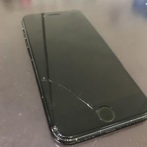 アイフォン8 ディスタンス破損