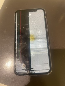 iPhone11 フロントパネル交換修理